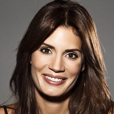 Ayça V. - İngilizce - Profil Fotoğrafı